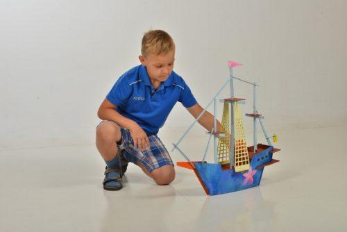 Kartona saliekams kuģis –  konstruktors ( Balts )